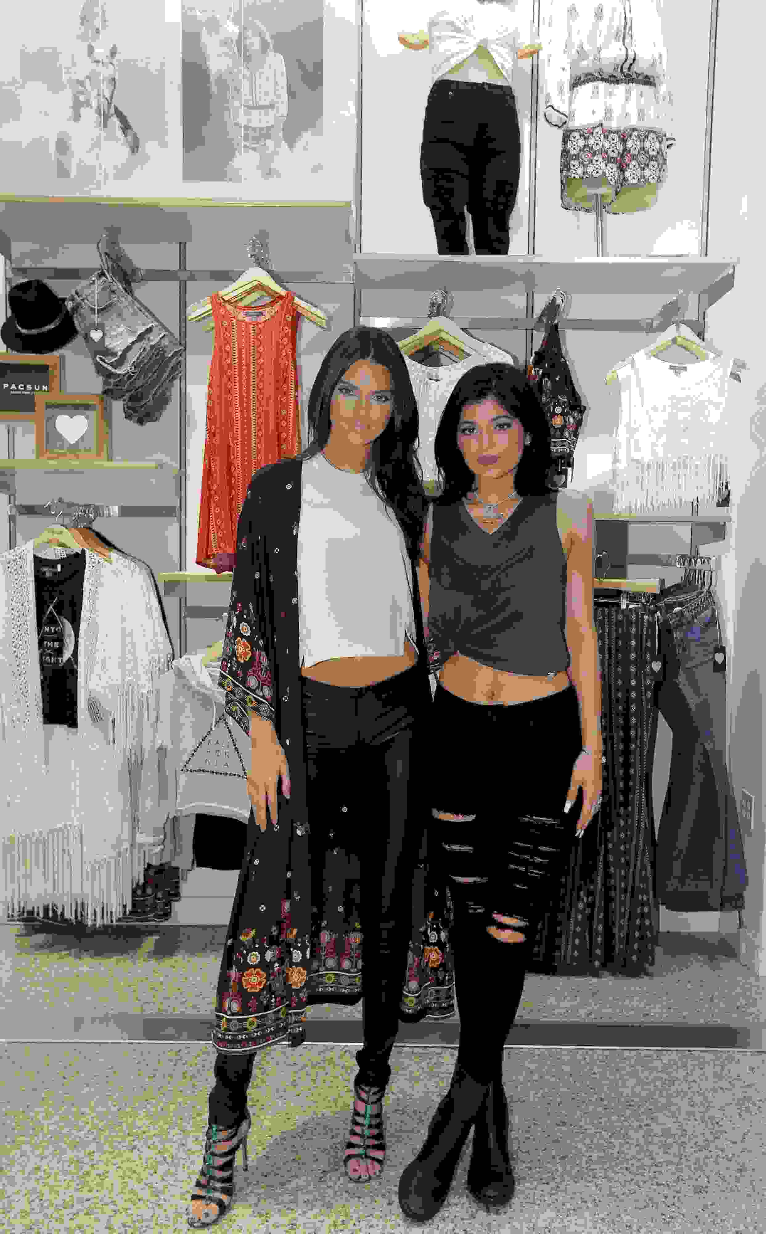 Kylie Y Kendall Jenner Lanzan Colecci 243 N Back To School